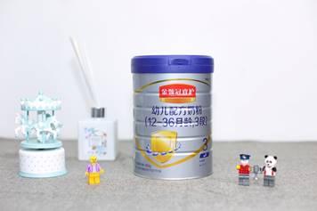 伊利奶粉——为中国宝宝带来更好呵护的金领冠睿护